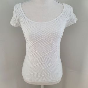 Bebe Textured Cut Out Tee M/L